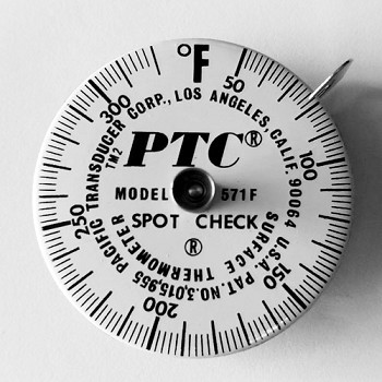 50° to 320°F Spot Check® Thermometer Model 571F